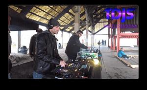 DJ Shaggy on the dj sessions silent disco sundays seattle gasworks park